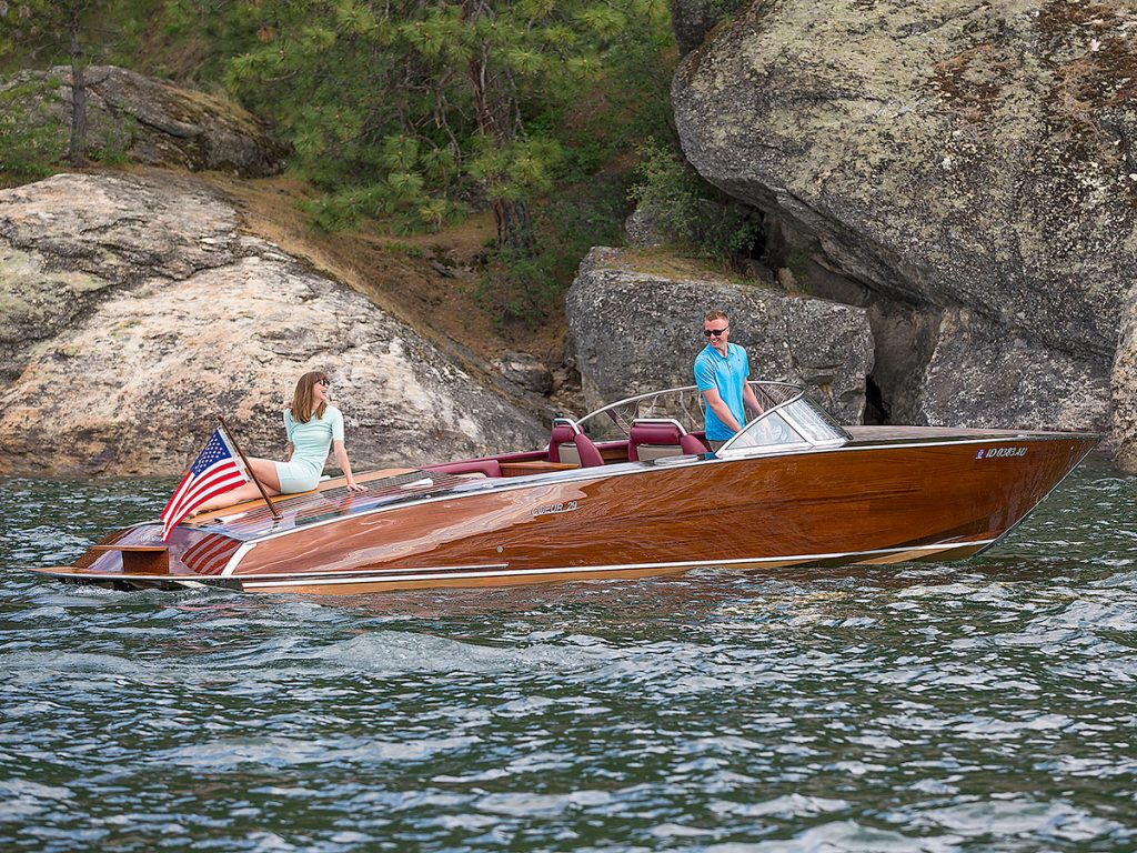 Coeur Custom Boat Model 290 Nighthawk
